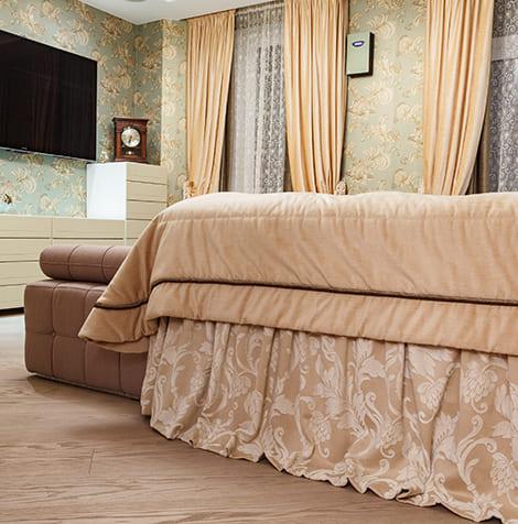 Текстильное оформление спальни для семейной пары 5