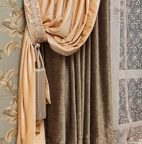 Текстильное оформление спальни для семейной пары 2